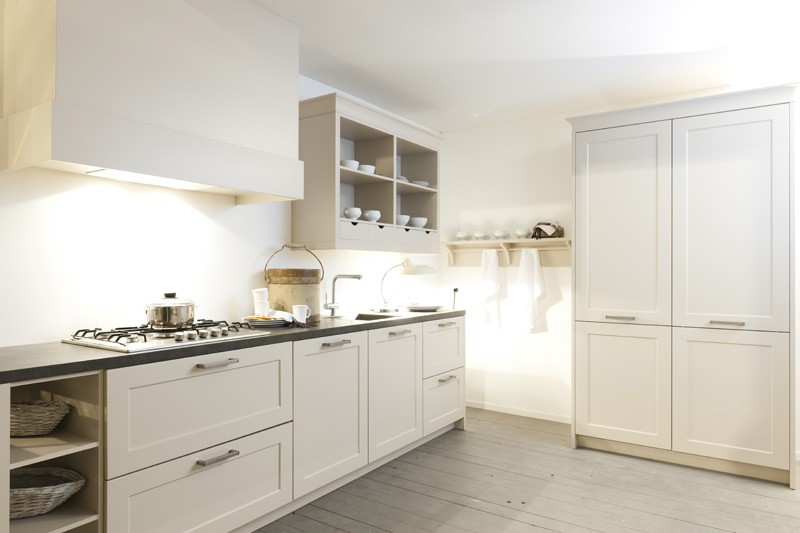 Hagro Keukens Rotpunkt : Gelakte keukens van rotpunkt tuijps tegels sanitair en keukens