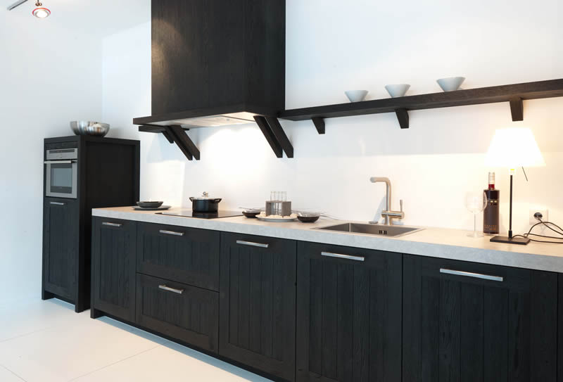 Klassiek houten keukens van rotpunkt tuijps tegels sanitair en