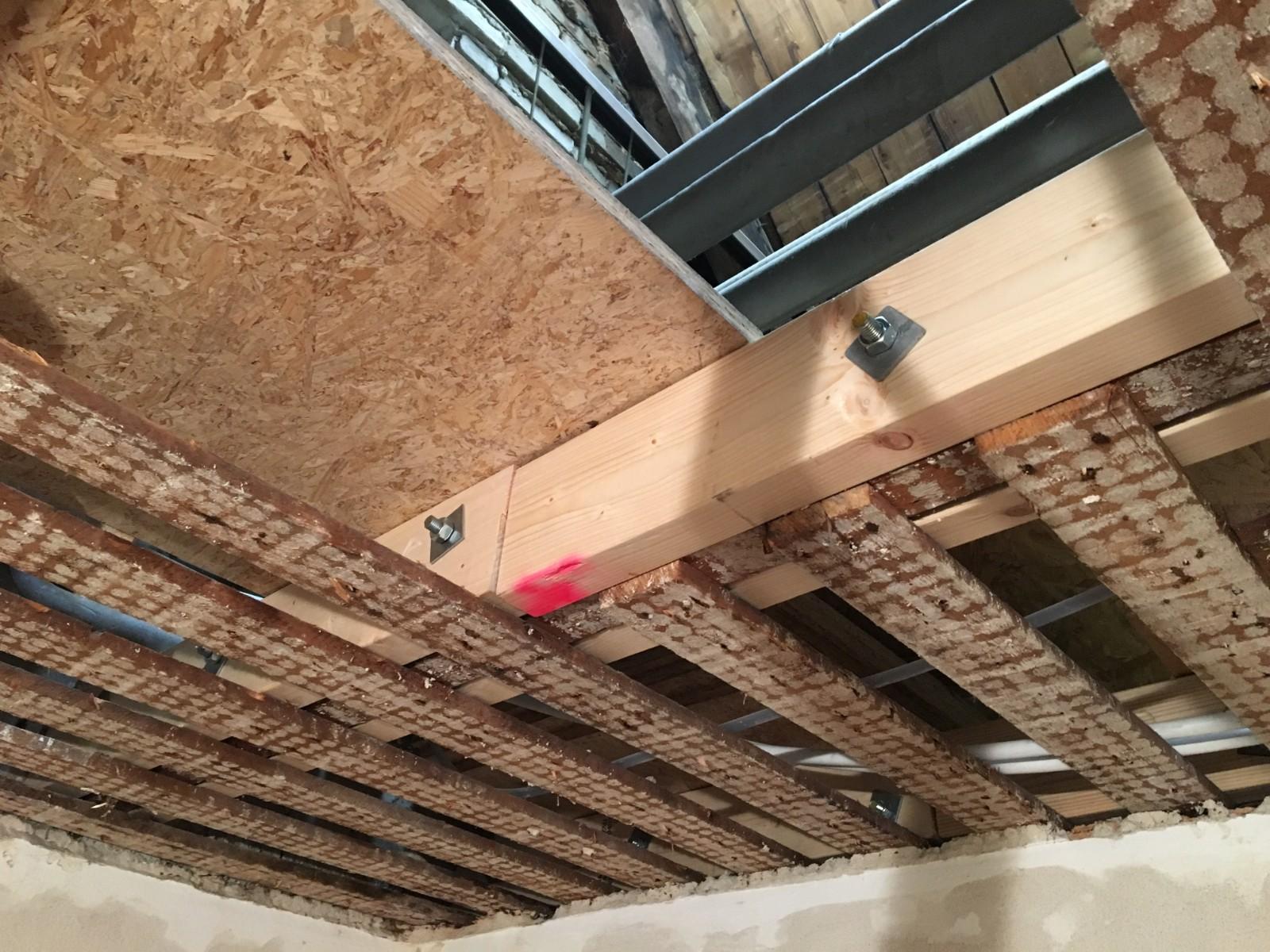 aannemer totaalbouw volendam, volendam, timmerwerk, complete verbouwing, badkamer, toilet, amsterdam noord, verlaagd plafond, stukadoor, stucadoor, loodgieter, tuip, tuijp, tuijps, keukens, badkamers, tegeletters, timmerman